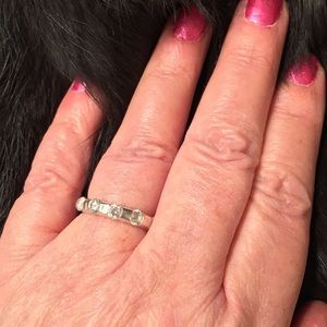 Vint 925 Ring with 5 LG white Crystals size 6.3